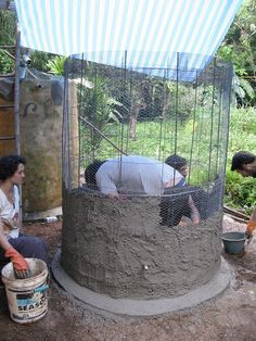 Ferro-cement Water Tanks an Affordable DIY Solution - The Permaculture Research Institute Ideas Terraza, Storing Water, Water From Air, Water Storage Tanks, Permaculture Design, Water Collection, Fish Farming, Rain Barrel, Rainwater Harvesting