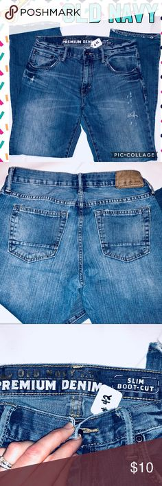 "Old Navy Slim Bootcut Sz30x30 Jeans #42 -Old Navy EUC Jeans that could be Erin as men or boys at size 16 depending on sizing. The measurements are below:  ➡️Tag Size:  30x30 📐Flat Size:  15"" waist — 30"" inseam Old Navy Jeans Bootcut"