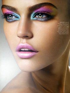 """High & Mighty""   Model: Daria Pleggenkuhle, Photographer: Julia Saller, Diva Schönheit, December 2008"