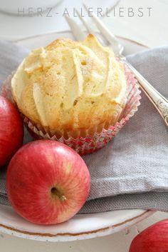 Kleiner Apfel-Zimt Kuchen by herz-allerliebst, via Flickr