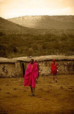 Home sweet home.  Ah, I love it.  Poblado Masai -   Masai village (August 2005)    www.vicentemendez.com