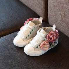 Cheap sneakers designer, Buy Quality sneakers fashion directly from China children designer shoes Suppliers: Autumn 2018 new Fashion Children's shoes outdoor super perfect design cute girls princess shoes casual sneakers years old Floral Sneakers, Cheap Sneakers, Baby Sneakers, Girls Sneakers, Casual Sneakers, Sneakers Fashion, Fashion Shoes, Fashion Clothes, Shoes Sneakers