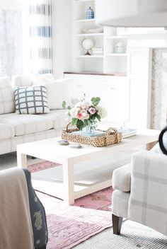 white coffee table with pink rug- love this living room inspiration… Simple Living Room, Living Room Decor, Living Spaces, Living Room Inspiration, Home Decor Inspiration, Decor Ideas, Decorating Ideas, Room Ideas, Art Ideas
