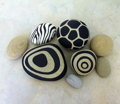Painted Rocks by Erik Abel SBG pin of the day! River pebbles go ultra modern with a little black paint! Holiday gift everyone can afford. If you absolutely love arts and crafts a person will appreciate this info! Pebble Painting, Pebble Art, Stone Painting, Rock Painting, Pebble Stone, Stone Art, Zentangle, Painted Rocks, Hand Painted