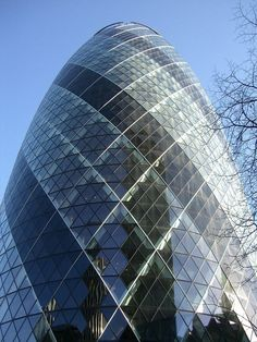 The 10 Most Spectacular Buildings in London Ancient Greek Architecture, London Architecture, Gothic Architecture, London Pictures, London Photos, Gherkin London, History Of England, Grand Mosque, Building Art