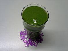 Steffi startete gesund in den vegan Wednesday mit einem grünen Smoothie. Was sich darin versteckt, könnt ihr auf ihrem Blog lesen :)