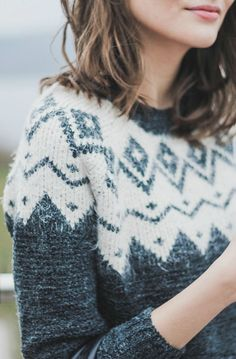 like a fair isle sweater mixed with a scandinavian pattern. like a fair isle sweater mixed with a scandinavian pattern. Looks Street Style, Looks Style, Style Me, Hair Style, Look Fashion, Fashion Beauty, Fashion Hair, Fashion 2018, Fashion Outfits