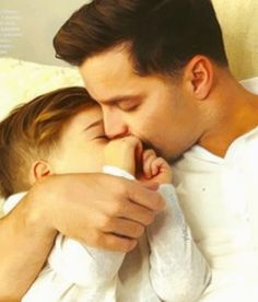 Ricky Martin, Couple Photos, Couples, Instagram, Have A Happy Day, Kisses, Couple Shots, Couple Photography, Couple