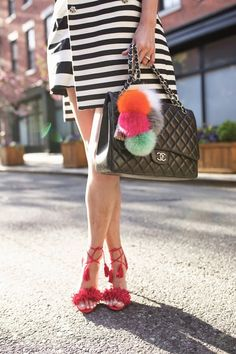 Street style Chic / karen cox. Atlantic-Pacific, pompons, red sandals, stripes and Chanel