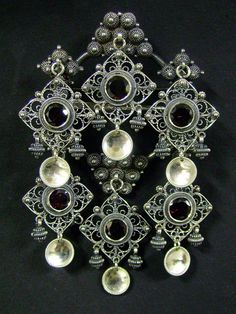 It's a brooch for the Norwegian national costume, the bunad. Hornring with gewgaws. Norway, Garnet, Brooch, Deviantart, Stone, Silver, Crafts, Inspiration, Jewelry
