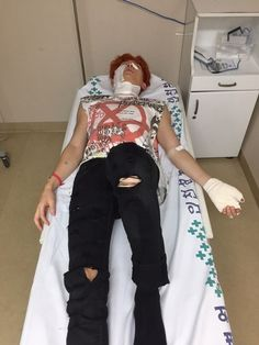 U-kiss' Kiseop Suffers Second-degree Burns While Filming Music Video: #kiss