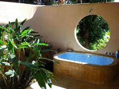 Dream outdoor bath in Costa Rica yoga retreat