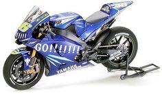 Tamiya 14098 1 12 Model Motorcycle Kit Yamaha Team YZR M1 '04 05 Factory MotoGP | eBay