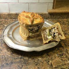 Beautiful pastry Pie Recipes - Mushroom, leek and ricotta hot water crust pastry pie. Pastry Recipes, Pie Recipes, Cooking Recipes, Pie Mold, Vegetarian Pie, Leek Pie, British Baking, Great British Bake Off, Gastronomia