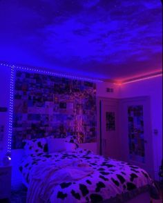 Neon Bedroom, Room Design Bedroom, Room Ideas Bedroom, Bedroom Inspo, Hippie Bedroom Decor, Chill Room, Cozy Room, Chambre Indie, Retro Room