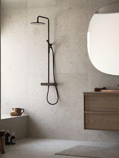 Bricmate J Norrvange Ivory är en granitkeramik i varm jordnära kulör med matt yta. Mycket naturtrogen, detaljerad och rik på variation med fossilliknande och naturliga detaljer. Inspirerad av den gotländska kalkstenen med samma namn. Beige Bathroom, Modern Bathroom, Small Bathroom, Master Bathroom, Bathroom Design Inspiration, Bad Inspiration, Bathroom Interior Design, Bathroom Goals, Bathroom Trends