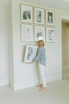 awesome How to Hang a Gallery Wall… by Source by irkromm Related posts: Wall gallery Ideas Decoration Hall, Room Decorations, Diy Décoration, Home Decor Accessories, Home And Living, Small Living, Modern Living, Home Projects, Bedroom Decor