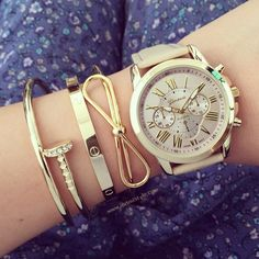 Bow bangle bracelet – LOVE