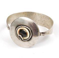 MENNO MEIJER 1930 - Alpaca armband met oogje van Biak ontwerp uitvoering ca.1990