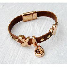 Flat Brown Leather & Heart Bracelet #leather #bracelet Heart Bracelet, Bracelets, Brown Flats, Brown Leather, Jewelry, Fashion, Moda, Jewlery, Bijoux