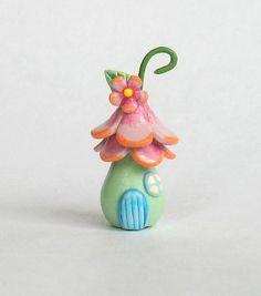 Fairy House. Looks like a sweet ornament. Cara Zara