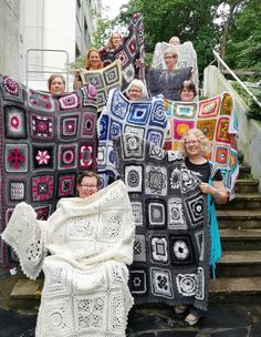 Kalevala CAL virkatut peitot. Kalevala CAL-yhteisvirkkausprojekti Chrochet, Crochet Yarn, Knitted Blankets, Crochet Throws, Crochet Squares, Creative People, Plaid, Mandala, Projects To Try