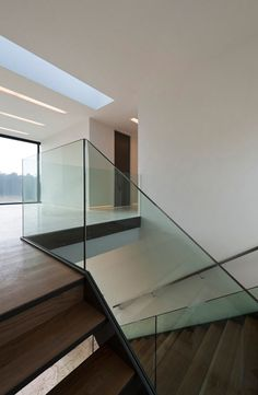 Bridge House, Glass Staircase