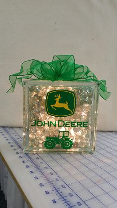 John Deere glass block to frost a glass block craft ideas Sand Crafts, Vinyl Crafts, Vinyl Projects, Craft Projects, Project Ideas, Craft Ideas, John Deere Crafts, John Deere Decor, Decorative Glass Blocks