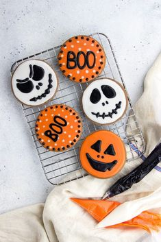 Halloween Chocolate Sugar Cookies are classic soft cut out sugar cookies made with cocoa powder and decorated with easy sugar icing! Halloween Desserts, Dulces Halloween, Halloween Cookie Recipes, Halloween Cookies Decorated, Halloween Sugar Cookies, Halloween Chocolate, Easy Halloween, Halloween Treats, Family Halloween
