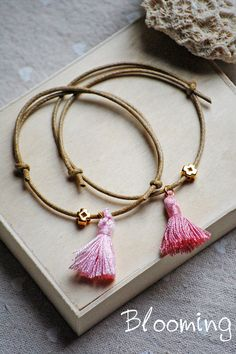Baptism bracelet for mommy Gemstone Jewelry, Diy Jewelry, Christening, Tassel Necklace, Poppies, Bloom, Jewels, Gemstones, Beads
