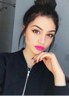 Organic Makeup For A Safer Alternative – LovelYou Makeup Goals, Makeup Kit, Lip Makeup, Makeup Ideas, Organic Makeup, Natural Makeup, Maquillaje Natural Tumblr, Love My Makeup, Tips Belleza