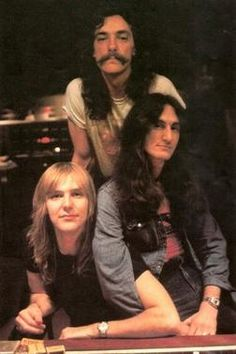 Alex Lifeson, Neil Peart, and Geddy Lee Music Love, Music Is Life, My Music, Great Bands, Cool Bands, Playlists, Heavy Metal, Rush Band, Alex Lifeson