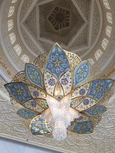 Entrance chandelier, Sheikh Zayed Grand Mosque, Abu Dhabi, United Arab Emirates