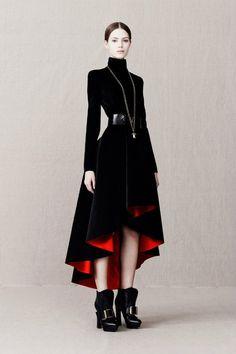 Amazing dress by Alexander McQueen (Pre fall 2013)