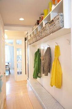 Decorar pasillos estrechos   #decoración #hogar #pasillos www.hogardiez.com.es