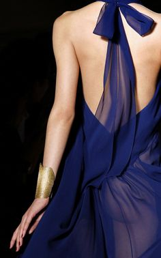 ☆ Yves Saint Laurent | Spring/Summer 2011 ☆ #Yves_Saint_Laurent #2011 #Detail #Fashion_Show