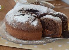 Ciambella cacao e latte ripiena alla nutella,soffice,facile da fare, profumata e golosissima, con la nutella che resta morbida!