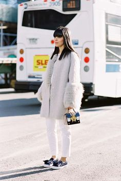 Image Via: Vanessa Jackman Best Sneakers, Sneakers Fashion, New York Fashion, Vanessa Jackman, Weather Wear, Street Style, Fashion Images, Passion For Fashion, Winter Outfits