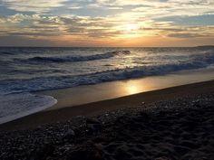 Me encantan los atardeceres en #nerja y sus playas http://ift.tt/2c4Leng