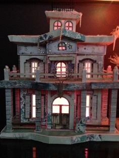 a girl with a passion for paper, stamps and a really big glue stick Silhouette Cameo, Dollhouse Ideas, Glue Sticks, Project Ideas, Projects, Paper Houses, Holidays With Kids, 3d Paper, Small Houses