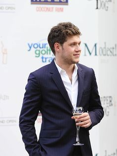 ✔My big brother? Niall Horan Baby, Naill Horan, Theo Horan, One Direction Photos, One Direction Humor, Irish Boys, Irish Men, Manado, Zayn Malik
