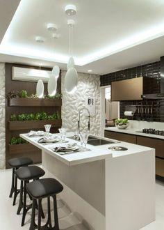 Agencement Cuisine : Cozinha preta branca e bronze com acabamentos modernos e ho. - Agencement Cuisine : Cozinha preta branca e bronze com acabamentos modernos e horta linda! Modern Kitchen Design, Interior Design Kitchen, Kitchen Decor, Interior Decorating, Kitchen Designs, Kitchen Ideas, Kitchen Plants, Interior Modern, Kitchen Layout