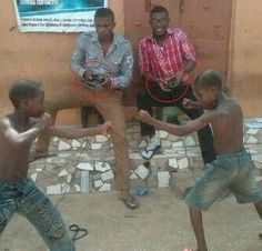 Ghetto Mortal Combat --- I laughed so hard. Funny African Pictures, Funny Images, Funny Photos, Mortal Kombat, African Videos, 1st World Problems, Newest Playstation, Have A Laugh, Amalfi