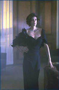 Teri Hatcher (Paris Carver) - Tomorrow Never Dies