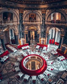 With its' splendid neo-baraque Art History Museum Vienna appears as one of the most solemn and mesmerizing interiors of late-nineteenth-century 📍📍📍📍📍📍📍📍📍📍📍 Tag an and lover! — 📌 — 📷 photo credits — Via History Museum, Art History, Voyager Loin, Destinations, Imperial Palace, Blog Voyage, Happy Sunday, Your Favorite, Fine Art