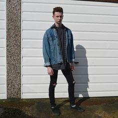 Get this look: http://lb.nu/look/7251428 More looks by Justin: http://lb.nu/justinbeardsmore Items in this look: Levi's® Vintage Denim Jacket, Cow Vintage Vintage Flannel Shirt, Topman Black Knee Rip Jeans, Asos Vans Lpe Plimsolls #black #tumblr #minimal #maleblogger #outfit #ootd #mensfashion #instagram #jeans