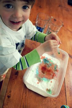 food colouring + vinegar + baking soda = A+ activity idea for kids