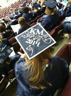 A Penn State Harrisburg #PSUgrad added style to her cap.