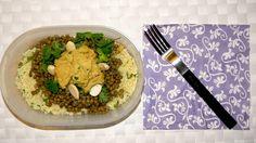 #schiscetta - Insalata di cous cous, hummus di ceci, lenticchie, mandorle tostate, coriandolo - http://schisciando.tumblr.com