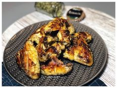 Best foccacia recipe after Jamie Oliver with rosemary and olive oil - Rezepte - Hamburger Rezepte Baked Chicken Wings, Oven Baked Chicken, Chicken Wing Recipes, Butter Chicken, Jamie Oliver, Vegan Cauliflower Wings, Baked Buffalo Cauliflower, Foccacia Recipe, Smoked Baked Potatoes